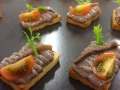 Emulsión de Olivada  con lomito de anchoa y tomatito cherry